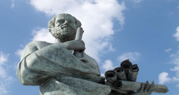 ارسطو یک فیلسوف یونانی بود در دوره ی کلاسیک یونان باستان زندگی میکرد ، او بنیانگذار مکتب فقهی فلسفه و سنت ارسطویی است
