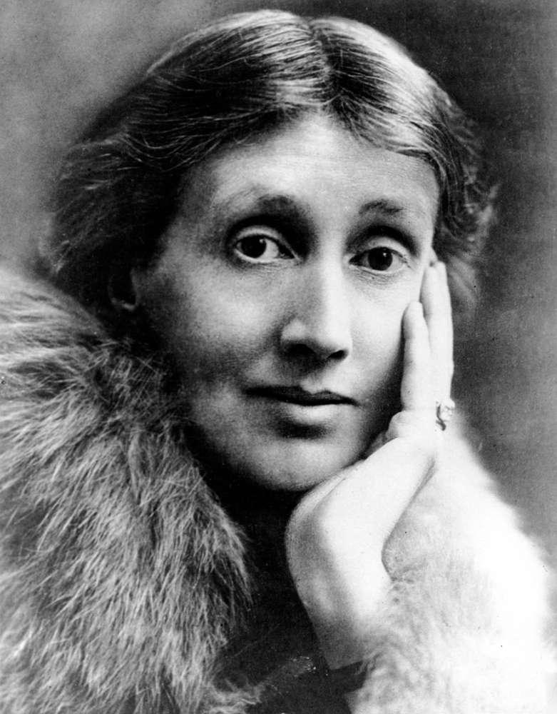 آدلین ویرجینیا وولف نویسنده انگلیسی بود ، یکی از مهمترین نویسندگان مدرنیست قرن بیستم و همچنین پیشگام در استفاده از جریان آگاهی به عنوان وسیله روایی